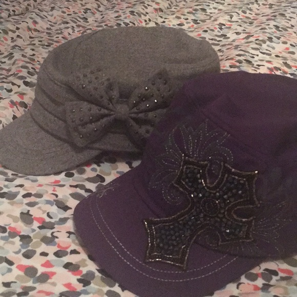 2 women's military style hats